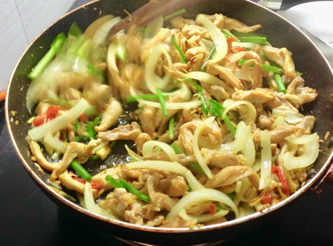 Vietnamese-Stir-Fry-Lemongrass-Chili-Chicken